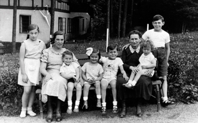 Max and his family before the war