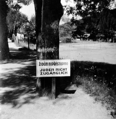 City park in spa Luhačovice in the period of the Protectorate
